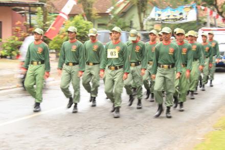 Satlinmas Desa Ngembel Juara Satu Lomba Gerak Jalan Kategori Linmas Se-Kecamatan Watulimo