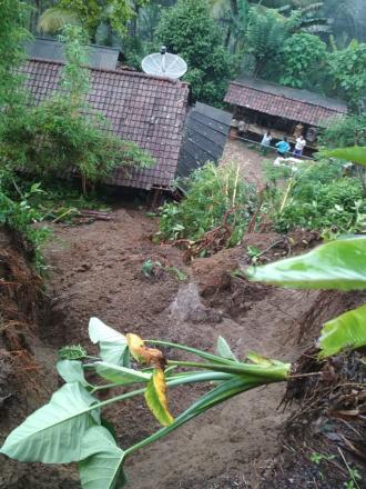 Beberapa Titik Tanah Longsor di Desa Ngembel